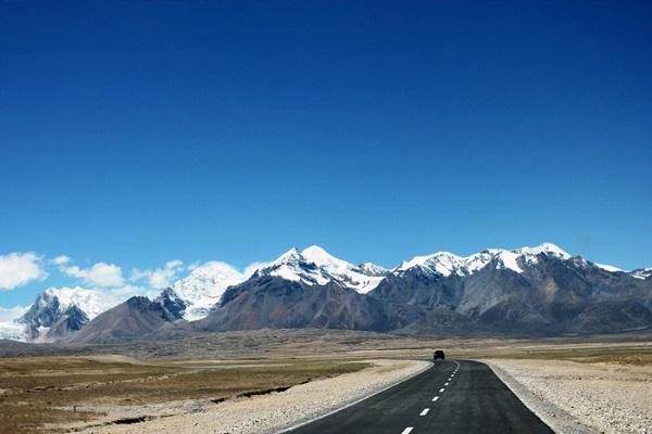 Những con đường mây trắng ở Tây Tạng
