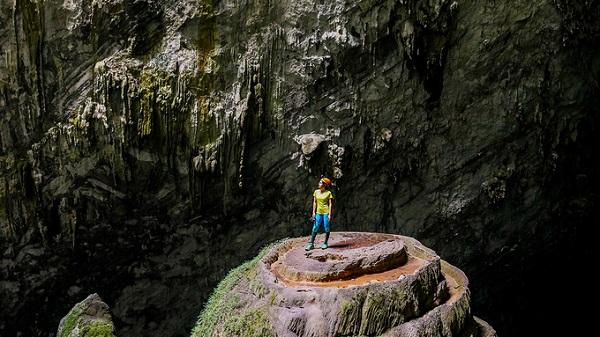 Sơn Đoòng bắt đầu đón khách từ cuối năm 2014 với khoảng 500 người mỗi năm. Bước sang năm thứ 4, đơn vị khai thác tour cho biết tỉnh Quảng Bình đã cho phép đưa 1.000 khách vào Sơn Đoòng, tăng 100 người so với công bố trước đó.