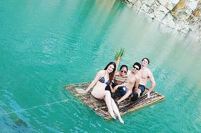 Đà Lạt Hồ nước này nằm ở thôn Suối Cạn, xã Lát, huyện Lạc Dương. Để đến được đây, du khách phải chạy một đoạn đường dài khoảng 50 km từ trung tâm thành phố Đà Lạt. Không chỉ hút khách Việt, hồ nước này còn được nhiều du khách nước ngoài ghé chân. Ảnh: Brianna Nilsson.