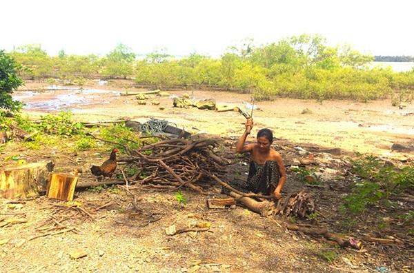 Cuộc sống hoang sơ của người dân Myanmar trên con đường tắt đến biển Ngwe Saung - Ảnh: Bông Mai