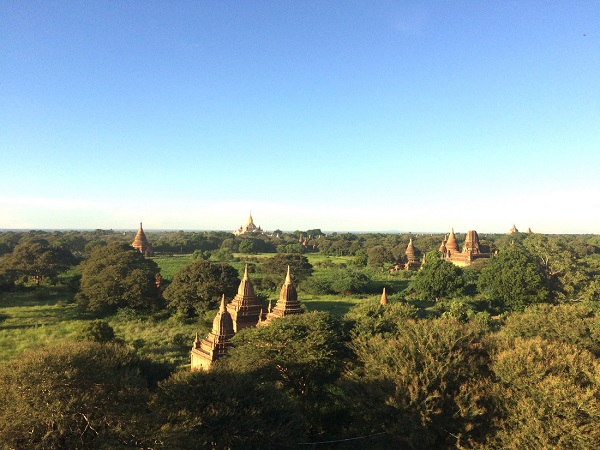 Một góc Bagan chìm trong nốt trầm của những đền đài xưa cũ - Ảnh:Bông Mai