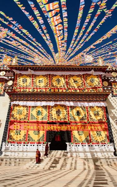 Huyền thoại Shangri La hiện lên linh thiêng, lộng lẫy - Ảnh: Telegraph