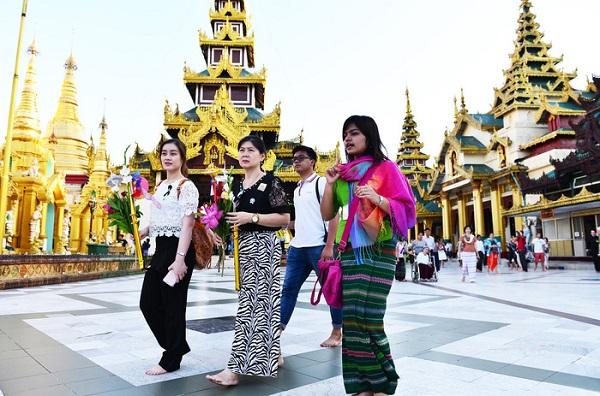 Các quốc gia Phật giáo thu hút khách hành hương ngày xuân - Ảnh: TR.N.