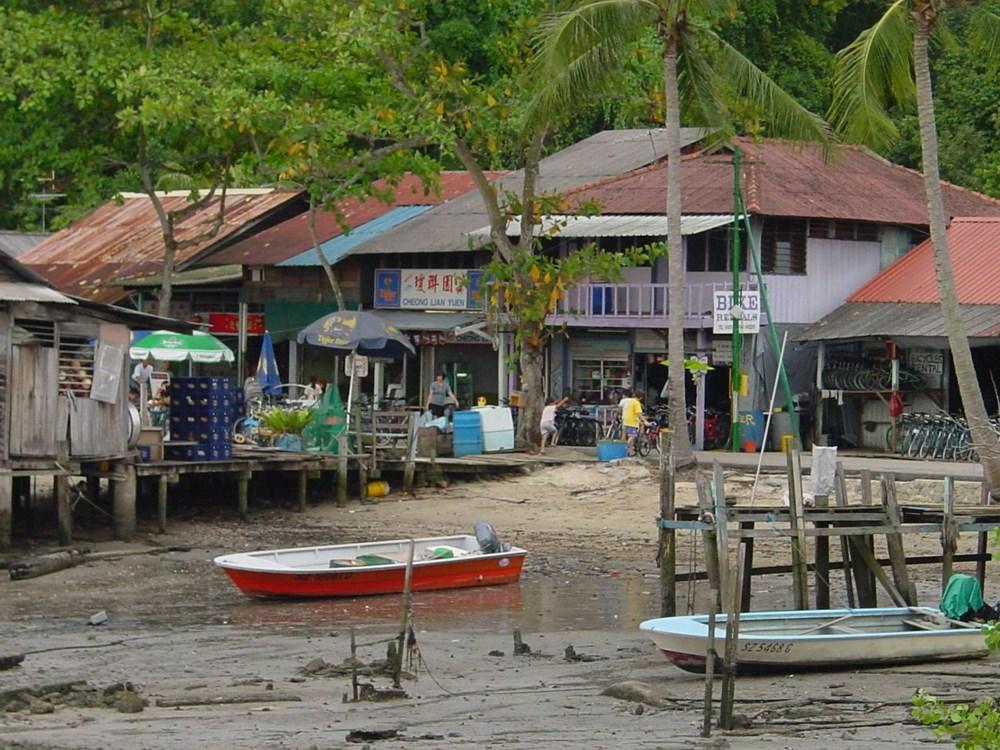 Hiện chỉ có chưa đầy 100 hộ dân sinh sống trên đảo Pulau Ubin. Ảnh: Henry.