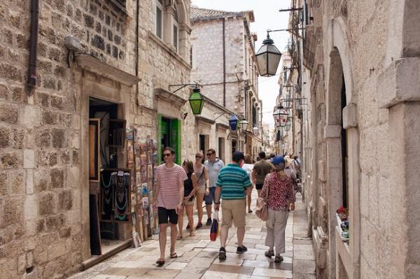 """Dubrovnik, Croatia: Thành phố cổ có niên đại từ thế kỷ thứ 13 và được lựa chọn làm bối cảnh cho bộ phim nổi tiếng """"Game of Thrones""""."""
