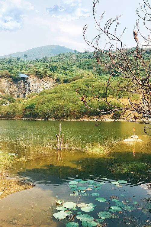 Thung lũng Mã Thiên Lãnh, Tây Ninh  Điểm dừng chân này cách trung tâm TP HCM khoảng 100 km, nằm tiếp giáp giữa ba ngọn núi là núi Bà Đen, núi Phụng và núi Heo thuộc xã Thạnh Tân, thành phố Tây Ninh. Nơi đây thích hợp cho những bạn trẻ thích du lịch bụi, yêu thiên nhiên và thích các hoạt động ngoài trời. Ảnh: Trọng Phan.