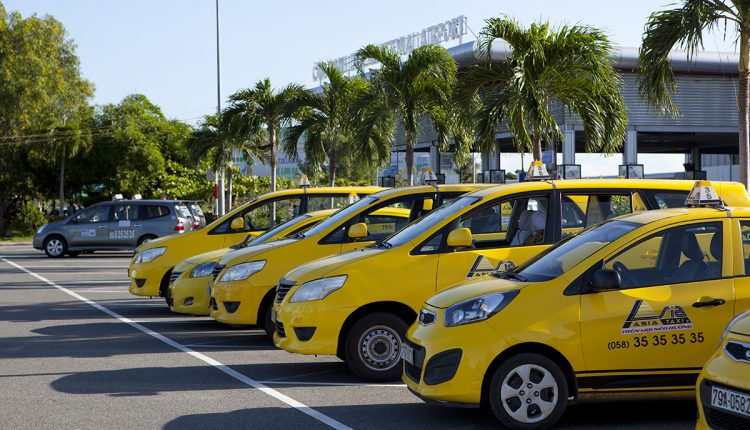 cam-ranh-airport-yellow-taxi-750x430