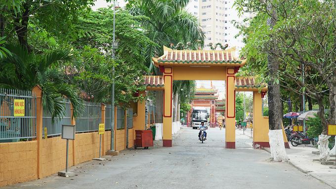 Tổ đình Phước Lâm hay chùa Phước Lâm còn có các tên gọi khác như: Cẩm Sơn tự, Sơn Can tự hay Cẩm Đệm tự, được cư sỹ Lý Thuỵ Long xây dựng vào năm 1744. Đây chính là tổ đình của phái Thiền Lâm Tế tông ở miền Nam Việt Nam.