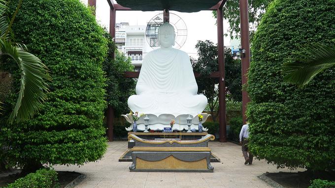 Năm 1988, tổ đình Giác Lâm được công nhận là Di tích văn hóa quốc gia. Dù không nằm ở trung tâm, hiện ngôi chùa vẫn được một số công ty du lịch đưa vào lịch trình khám phá dành cho du khách nước ngoài khi đến Sài Gòn.