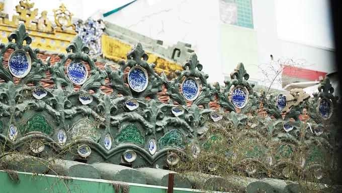 Ngày nay, chùa còn là một bảo tàng nhỏ lưu giữ nhiều tác phẩm điêu khắc được chạm trổ tinh xảo.