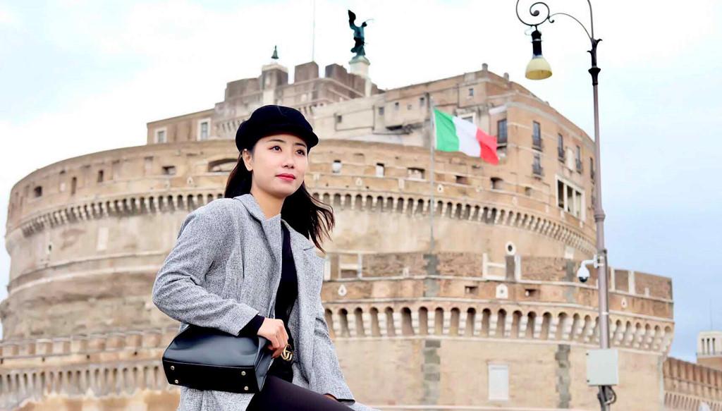 Lâu đài Castello St Angelo không chỉ là điểm tham quan tranh vẽ, điêu khắc, khảo cổ, vũ khí lịch sử.. mà còn như một câu chuyện kể thu hút bởi những thăng trầm lịch sử gắn với nó qua thời gian.