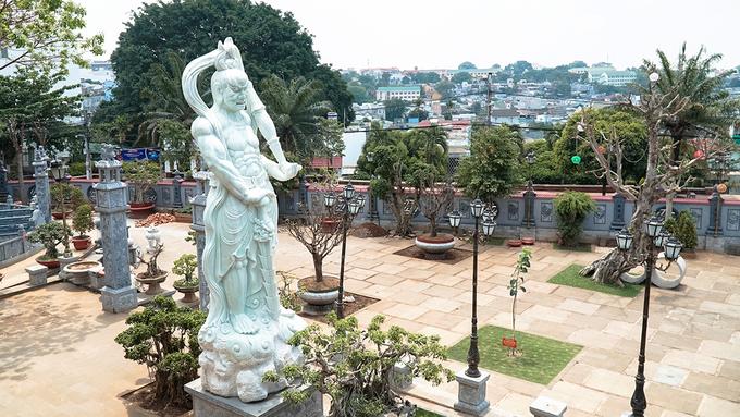 Chùa nằm trên khu đất rộng gần 4 ha. Qua hơn 60 năm tồn tại, chùa trải qua đợt đại trùng tu vào rằm tháng 3 âm lịch năm 2012, đến 2/10 âm lịch năm 2016 thì khánh thị trở lại.