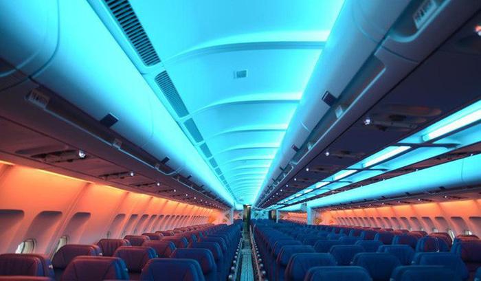Ánh sáng trên cabin cũng hướng tới việc tạo ra một bầu không khí nhẹ nhàng, không gây căng thẳng - Ảnh: AeroExpo