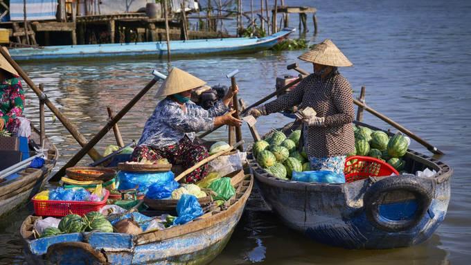 Cần Thơ  Một trong những thành phố thuộc đồng bằng sông Cửu Long đẹp nhất ở Việt Nam là Cần Thơ. Không chỉ có những kênh rạch chằng chịt, các vườn cây trái xanh mát, cánh đồng lúa trải dài, Cần Thơ còn có nét văn hóa chợ nổi đặc sắc thu hút du khách khắp nơi. Ảnh: Azerai hotel Can Tho.