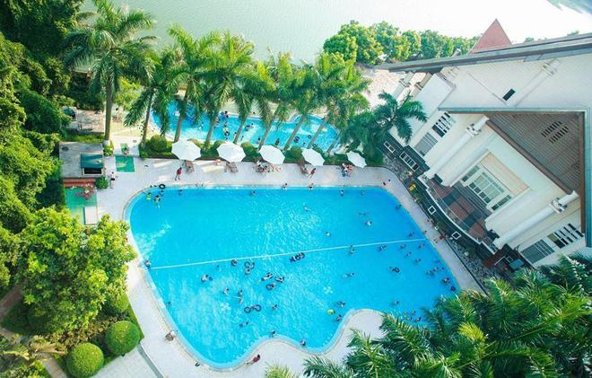 4-resort-co-khu-vui-choi-cho-tre-nho-chi-cach-trung-tam-ha-noi-khoang-1-gio-di-xe-ivivu-21