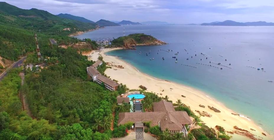 AVANI-Quy-Nhon-Resort-Spa-ivivu-1