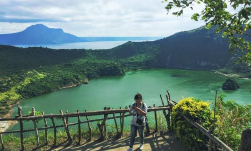 Hồ núi lửa Taal là điểm du lịch nổi tiếng thế giới. Ảnh: NVCC.