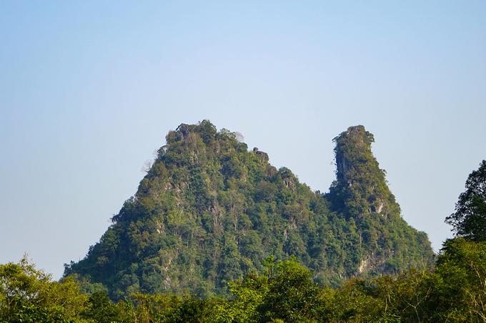 Núi Phượng Hoàng, xã Quốc Phong, huyện Quảng Uyên.