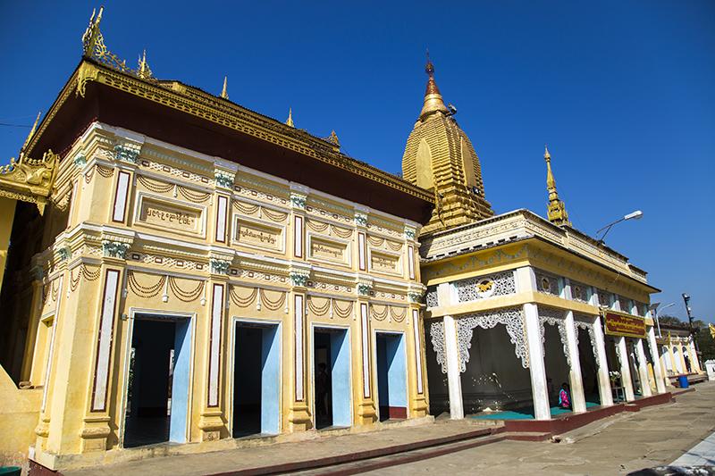 shwezigon-ngoi-chua-dat-vang-dau-tien-va-linh-thieng-nhat-o-myanmar-ivivu-14