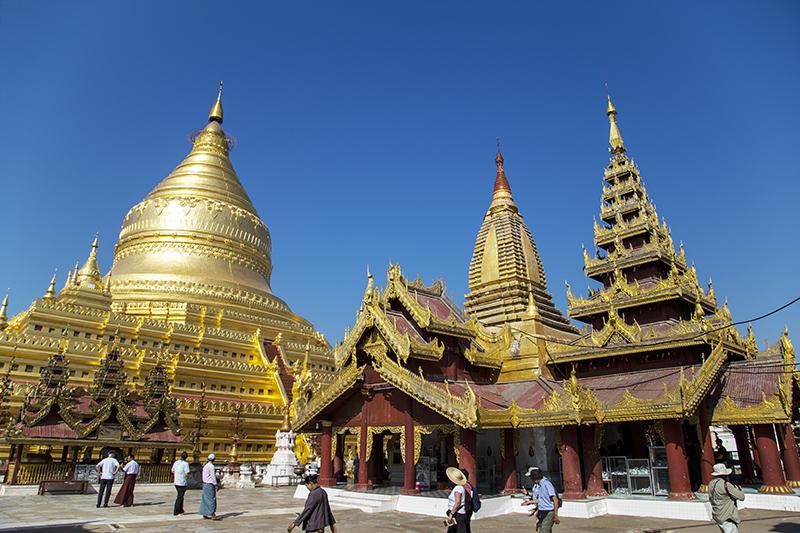 shwezigon-ngoi-chua-dat-vang-dau-tien-va-linh-thieng-nhat-o-myanmar-ivivu-2