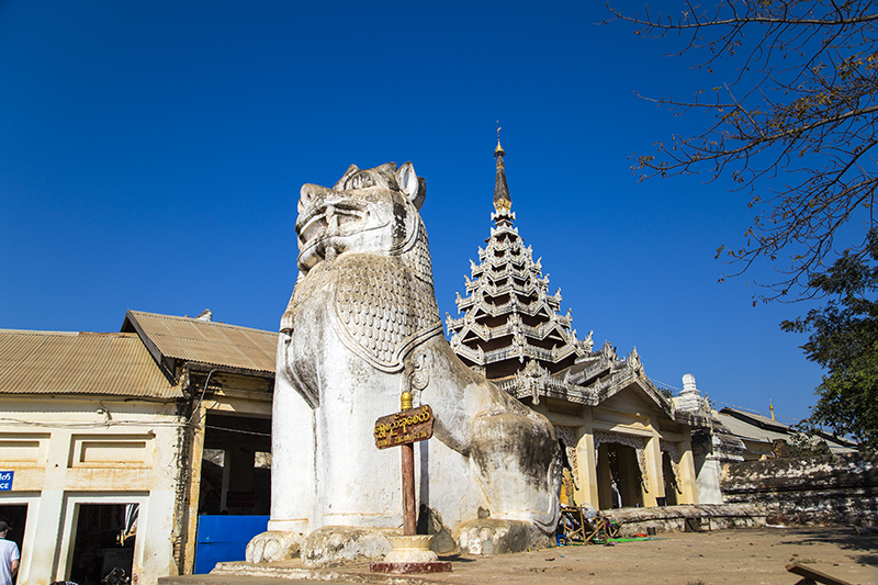 shwezigon-ngoi-chua-dat-vang-dau-tien-va-linh-thieng-nhat-o-myanmar-ivivu-4