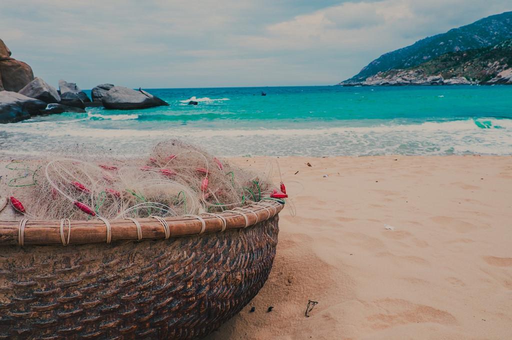 Để sở hữu một chuyến du lịch tại Mũi Dinh không tốn quá nhiều chi phí. Mức giá tham quan tại các địa điểm, ăn uống, nơi ở đều phải chăng.