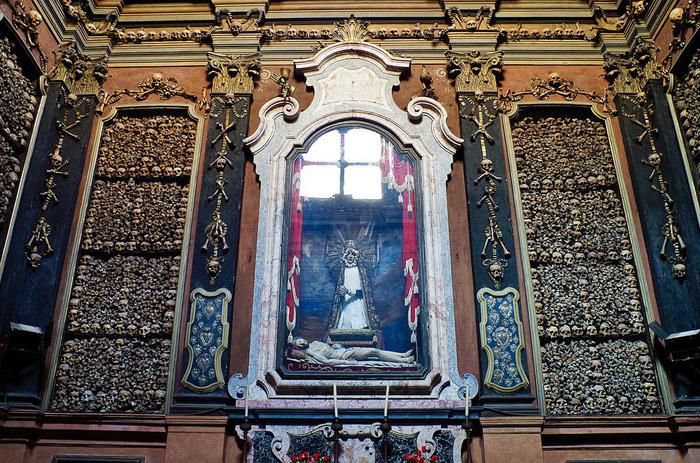 Nhà thờ xương người San Bernardino alle Ossa. Ảnh: Jessica Norah