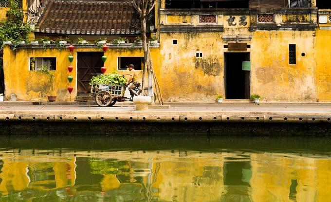 Chúng tôi lang thang khắp Phú Quốc rồi bắt đầu dịch chuyển tới Đà Nẵng và Hội An. Khi đã thăm thú nhiều thành phố khác nhau, từ phong cảnh, đặc sản cho tới thời tiết, con người... chúng tôi đối mặt với cú sốc tiếp theo.