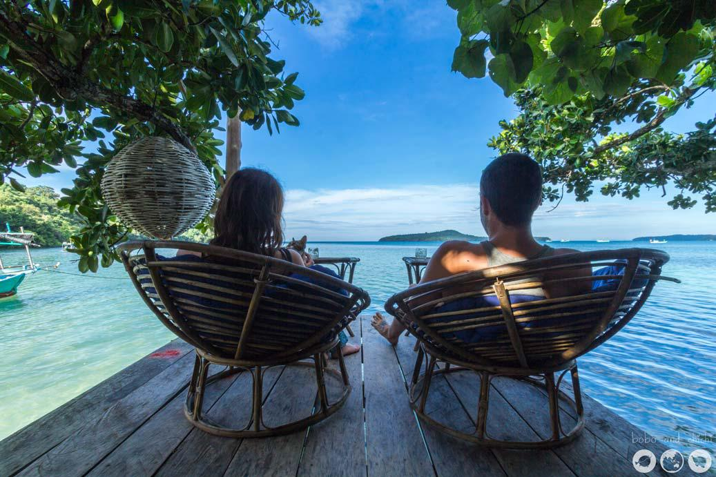 Koh Thmei:  Nằm trong Vườn quốc gia Ream, Koh Thmei là nơi sinh sống của khỉ, chồn, thằn lằn, hơn 100 loài chim cùng nhiều loài động vật quý hiếm khác. Trên đảo chỉ có một nơi lưu trú là Koh Thmei resort gồm hơn 7 căn nhà nghỉ gỗ hoạt động bằng năng lượng mặt trời. Du khách tới đảo có thể thỏa sức bơi, lặn, chèo kayak, đi bộ xuyên rừng, tìm hiểu các loài chim, ngắm cá heo bơi dọc bờ biển...