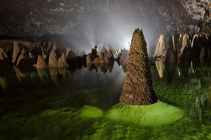 Hang Va là môi trường sống của loài cá mù trắng, thường được gọi là hang động, là loài cá nước ngọt nhỏ được tìm thấy trong môi trường tối tăm của các hang động.