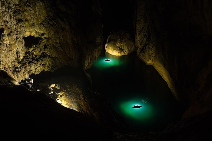 Sơn Đoòng được một người dân tình cờ phát hiện từ lâu song mới chính thức được khám phá vào năm 2009, với sự giúp đỡ của đoàn thám hiểm hang động thuộc Hiệp hội Hang động Hoàng gia Anh.