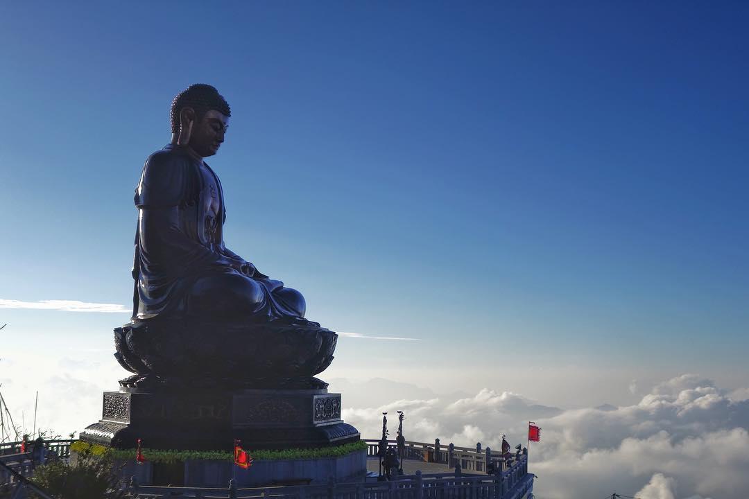 Đại tượng Phật A Di Đà bằng đồng cao nhất Việt Nam (21,5m). Ảnh: vincentchuaps