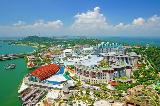 Ngoài hai cái tên trên, những chuyên gia đưa ra khả năng hội nghị thượng đỉnh diễn ra trên đảo Sentosa - có lợi thế về vị trí tách biệt với thành phố. Tuy nhiên, tổ hợp khách sạn trên hòn đảo này có cơ sở vật chất mạnh về dịch vụ nghỉ dưỡng và giải trí, hơn là dành cho những sự kiện tầm cỡ thế giới như cuộc gặp mặt giữa hai nhà lãnh đạo Mỹ - Triều Tiên.
