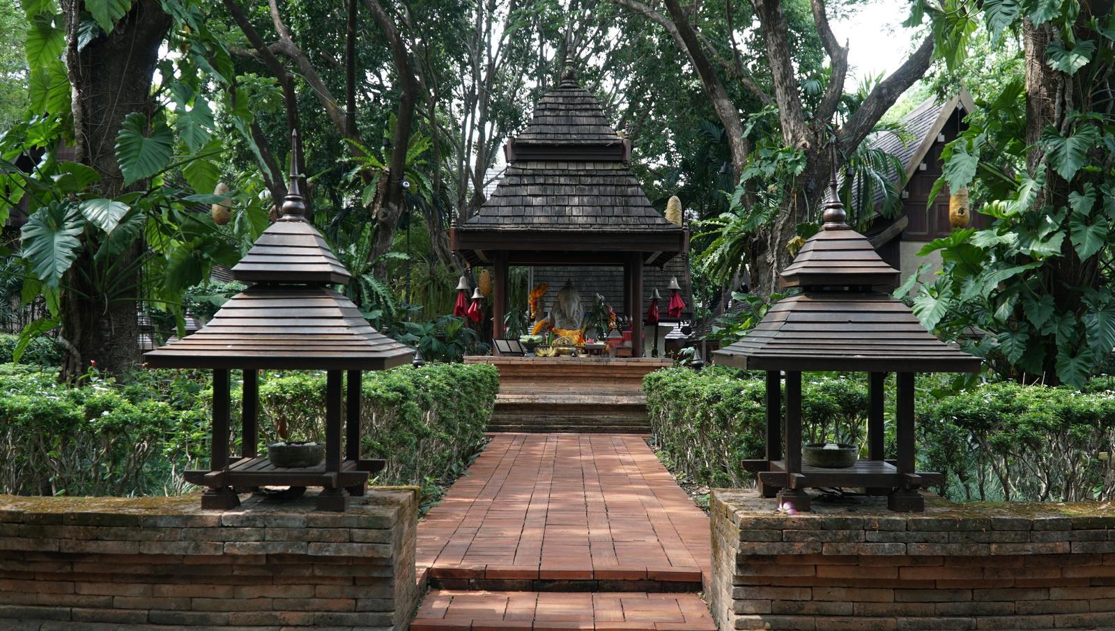 Khuôn viên của Four Seasons Resort.