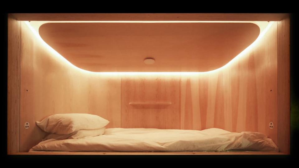 """SLEEEP là khách sạn dạng hộp ngủ được cấp phép đầu tiên ở Hong Kong, dành cho cả nam và nữ, với hy vọng trở thành """"thiên đường cho giấc ngủ"""" tại thành phố."""