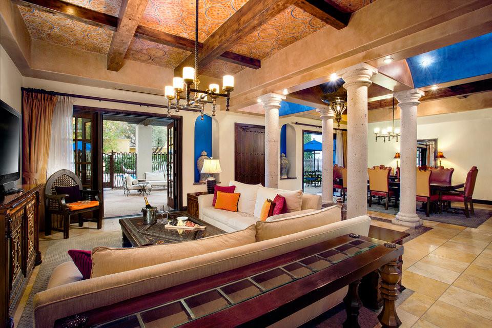Phòng tổng thống này có diện tích tương đương Camelback - 260 m2. Năm 2009, cựu Tổng thống Obama đã nghỉ tại đây.