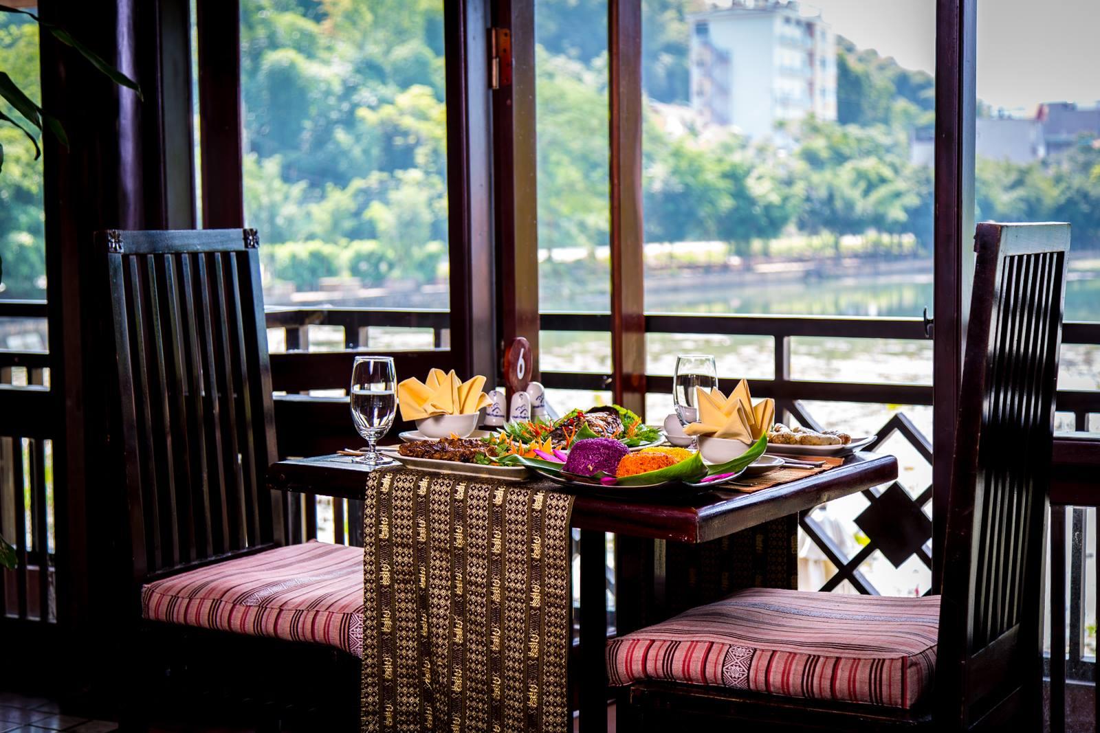 Nhà hàng Bó Luông