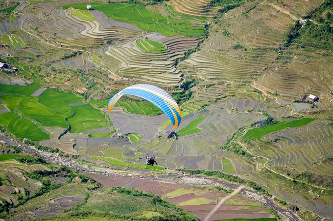 Địa điểm bay là đèo Khau Phạ, xã Cao Phạ, huyện Mù Cang Chải, tỉnh Yên Bái cách Hà Nội 250 km (khoảng 5h đi ôtô).