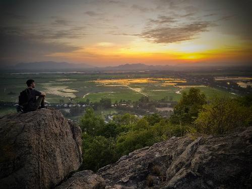 Trên đỉnh núi Sam. Ảnh: C.Herzog.