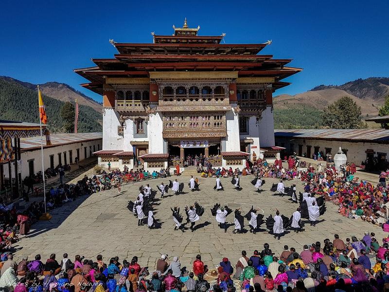 Sinh hoạt văn hóa truyền thống ở Bhutan - Ảnh: Hải Piano