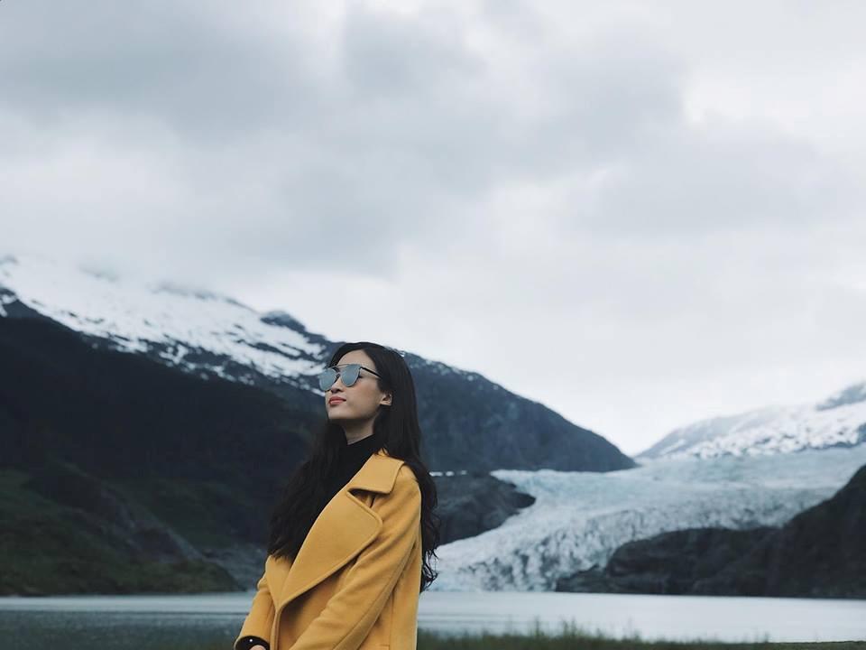 Ngay sau đó, Mỹ Linh đã cập bến Juneau. Juneau được bao quanh bởi thiên nhiên với những ngọn núi cao chót vót và vùng biển của kênh Gastineau. Đối với hầu hết du khách, cách duy nhất để vào hoặc ra khỏi thành phố là đường hàng không hoặc đường biển.