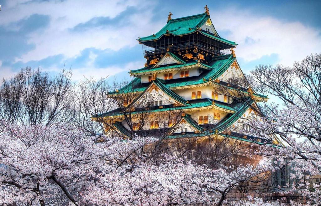 Lâu đài Osaka là tòa thành biểu tượng của thành phố. Ảnh: Sjh2000.