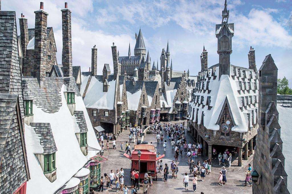Công viên giải trí Universal Studios có 8 khu chủ đề riêng là Hollywood, New York, San Francisco, Jurassic Park, Waterworld, Làng Amity, Universal Wonderland và Harry Potter . Ảnh: Victorneress.