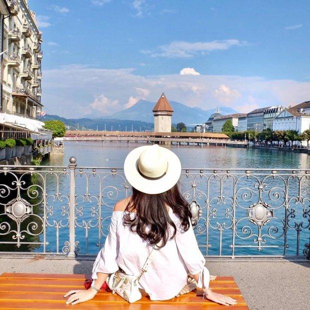Nếu có cơ hội, bạn dừng bỏ lỡ quốc gia xinh đẹp Thụy Sĩ, để cảm thấy phần nào vẻ đẹp mơ mộng nơi này, để thấy tận mắt câu chuyện cổ tích trong đời thực và thêm yêu những chuyến đi, những chặng đường dài.