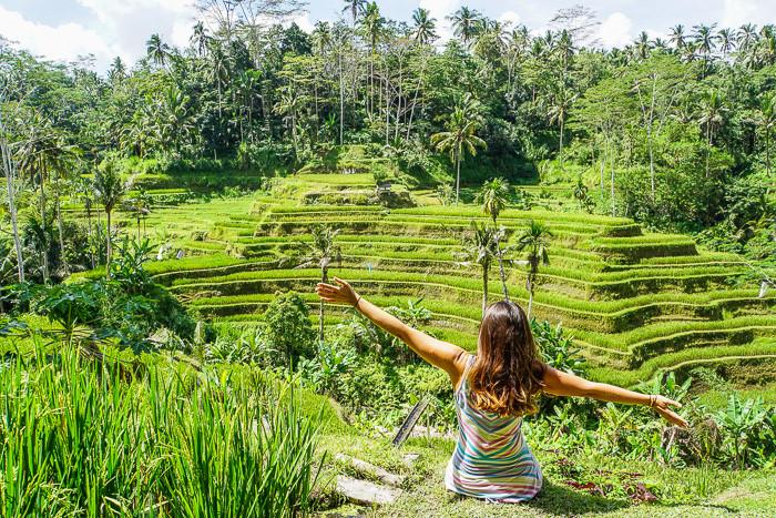 Đến đây, bạn cũng có thể tản bộ qua các khu ruộng bậc thang nổi tiếng, tham quan Rừng Khỉ, hoặc đi bè trên dòng sông Ayung tuyệt đẹp. Ảnh: Findingbeyond.com.