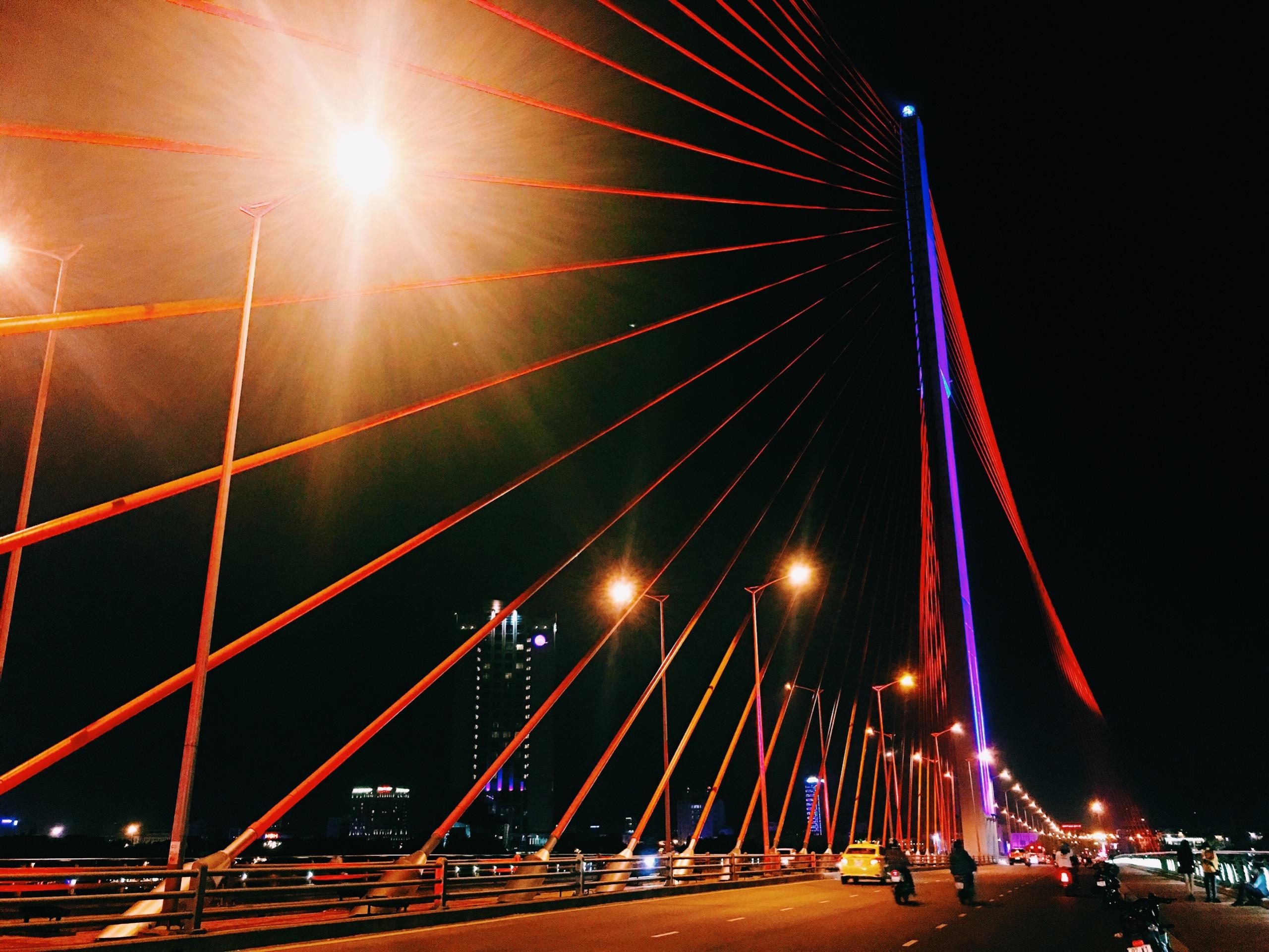 Cầu Trần Thị Lý – Cánh buồm vươn khơi