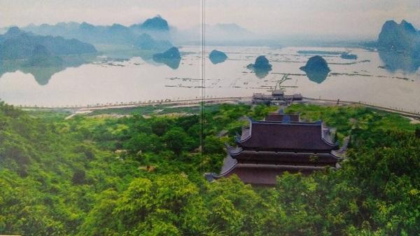 """Phối cảnh khu du lịch Tam Chúc, Ba Sao được mệnh danh là cõi phật, cõi tiên - là """"Vịnh Hạ Long trên cạn"""". Ảnh Ngọc Xen"""
