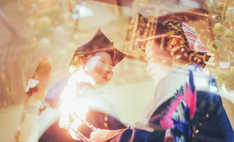 Hàng năm, vào ngày mùng 10 tháng Giêng, tại đền Mẫu lại diễn ra lễ hội đầu xuân của các dân tộc xứ Lạng. Lễ hội Đồng Đăng trước đây được gọi là hội Lồng Tồng (xuống đồng). Trong lễ hội có các trò chơi như múa sư tử, võ dân tộc, thi đấu thể dục thể thao. Ảnh: cungphuot.info.