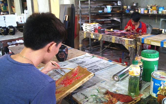 Mỗi bức sơn mài Tương Bình Hiệp trở thành một tác phẩm nghệ thuật có giá trị thẩm mỹ cao bởi sự tỉ mỉ, tâm huyết sáng tạo đến từng chi tiết của các nghệ nhân.