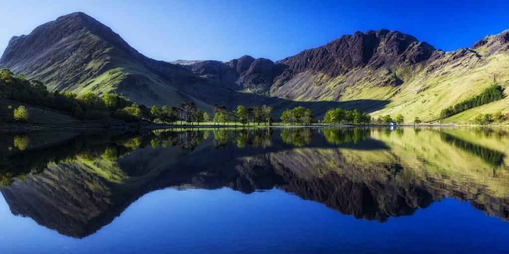 Hồ nước mang hơi thở cuộc sống: Dù bao quanh bởi những ngọn đồi và núi hiểm trở nhưng các hồ nước ở Anh đều mang đến sự lôi cuốn đặc biệt.